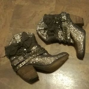 "Ladies ""Not Rated"" Gold/Bronze Ankle Bootie SZ-6.5"